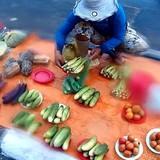 Chợ nông sản trên đĩa đồng giá 5.000 đồng ở Sài Gòn