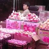 Về chợ sỉ là trái cây Trung Quốc, ra chợ lẻ thành hàng Việt