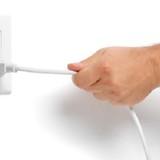 Cẩn trọng với phích cắm điện nhái như thật