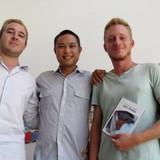 5 chàng ngoại quốc làm tạp chí Discover Nha Trang