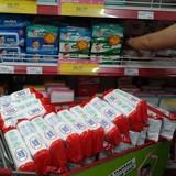 Khăn giấy ướt trở lại siêu thị sau nghi vấn đánh tráo nhãn hiệu