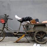 """Kinh tế hoảng loạn - """"đũa thần"""" Bắc Kinh hết thiêng"""