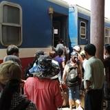 Từ 1/9, khách đi tàu có thể đặt vé bằng smartphone?