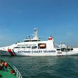 Tàu CSB Việt Nam và Lực lượng Bảo vệ bờ biển Ấn Độ luyện tập trên biển