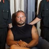 """2 người Nga """"vác"""" hàng trăm thẻ ATM giả đi rút tiền"""