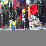 Nhộn nhịp thị trường đồ chơi Halloween