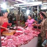 """Thịt """"sạch"""" chật vật chen chân vào chợ truyền thống"""