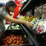 Bà nội trợ muốn thấy dán nhãn nông sản sạch Việt Nam