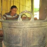 """Bán """"báu vật"""" của làng để làm đường nông thôn mới"""