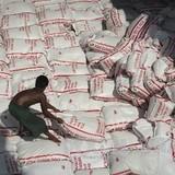 """Thái Lan chật vật với """"núi"""" thóc gạo khổng lồ"""