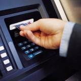 Bí kíp cần nhớ khi rút tiền ATM dịp Tết
