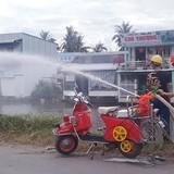 """Xe chữa cháy hai bánh, """"hàng độc"""" của dân Miệt Thứ"""