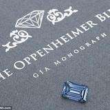 Kim cương xanh lớn nhất thế giới giá 990 tỷ