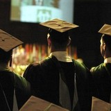 Muốn giàu có, không nên học cao học!