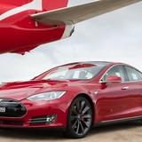 Xe điện Tesla đọ tốc độ với máy bay Boeing 737