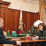 """Người phụ nữ này là """"cánh tay phải"""" của Tổng thống Nga Putin"""