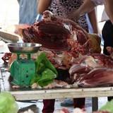 Thịt bò giả tràn lan Hà Nội: Các cơ quan đùn đẩy trách nhiệm