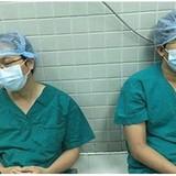 Làm bác sĩ ở Việt Nam sướng hay khổ?