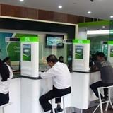 """Vietcombank bất ngờ """"áp trần"""" lãi suất cho vay"""