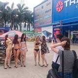 """Chuyên gia marketing: """"Chiêu trò"""" dùng PG mặc bikini của Trần Anh chỉ hợp với đơn vị nhỏ, rất hại cho thương hiệu"""