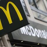 """Cảnh sát Pháp """"sờ gáy"""" hãng thức ăn nhanh nổi tiếng McDonald's"""