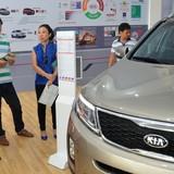 Ùn ùn nhập ô tô giá rẻ từ Ấn Độ