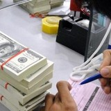Chống đô la hóa và phát hành trái phiếu ngoại tệ trong nước: Chọn một trong hai!