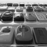 Tại sao người Nhật vẫn tôn sùng điện thoại nắp gập?