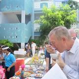 Đại sứ Hoa Kỳ thích ăn bánh xèo, bún chả Việt Nam