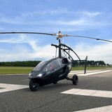 Xe hơi lai máy bay giá 600.000 USD