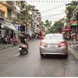 """""""Vỡ trận"""" phố đi bộ Hà Nội"""