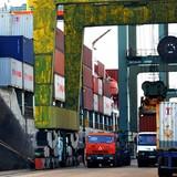 Logistics yếu kém, xuất nhập khẩu thua thiệt