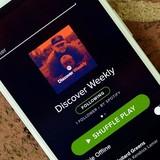 Đã hết thời nghe nhạc trực tuyến miễn phí?