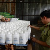 Phát hiện đường dây buôn lậu mỹ phẩm cực lớn từ nước ngoài về Sài Gòn