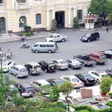Tìm chỗ đỗ ô tô: Nỗi ám ảnh của người dân Thủ đô