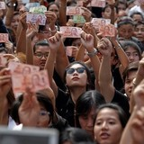 Thái Lan cố giữ ổn định kinh tế sau khi vua qua đời