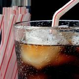 Coca - Pepsi: Dìm nhau trong chai nước ngọt không đường