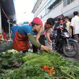 Giá rau xanh tại TP.HCM tăng vọt