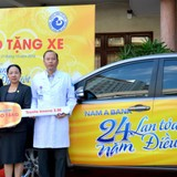 Nam A Bank tặng xe ô tô cho bệnh viện Từ Dũ