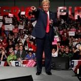 Bê bối e-mail, bước ngoặt bầu cử Mỹ?