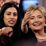 """Nhận vật khiến bà Hillary """"đau đầu"""" vì bê bối thư điện tử là ai?"""