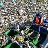 5 tấn rác xả xuống kênh Nhiêu Lộc – Thị Nghè mỗi ngày
