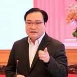 """Bí thư Hà Nội: Cán bộ """"buôn"""" điện thoại nửa tiếng để dân chờ"""