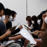Hàng triệu người Nhật phụ thuộc vào khẩu trang vì vấn đề tâm lý
