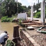 Cây xăng ở Cần Thơ bị trôi xuống sông do sạt lở