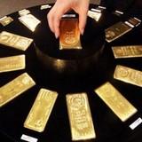 Giá vàng chạm đỉnh cao 1 tuần vì USD sa sút