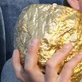 Giá vàng chốt tuần tăng đầu tiên trong 3 tuần