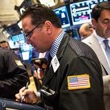 Chứng khoán Mỹ chuyển động ngược chiều sau báo cáo lợi nhuận mảng công nghệ