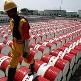 Giá dầu giảm nhẹ trong phiên giao dịch trầm lắng, chờ họp Doha