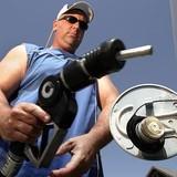 Giá dầu bắt đáy gần 5 tháng